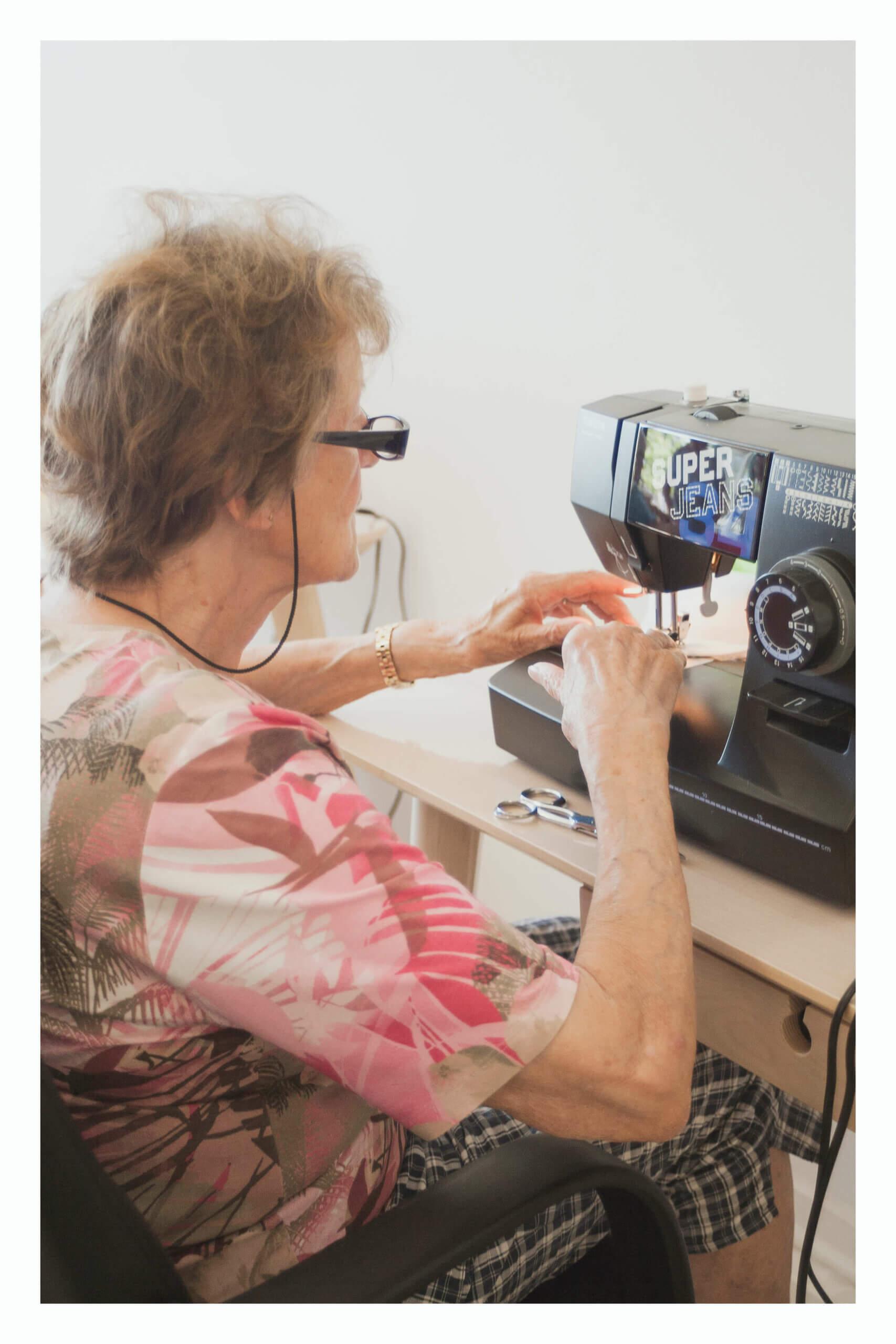 cours de couture sur machine à coudre à caen